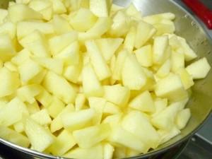 apple jam02 300x225 結構カンタン|林檎ジャム作り