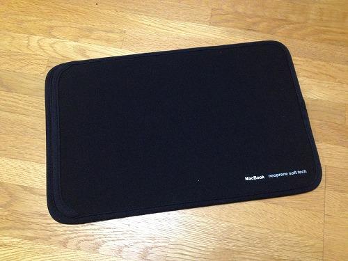 20121120 02 コンパクトで使いやすいMacbook Air 11用ケース|IN MAC11BK